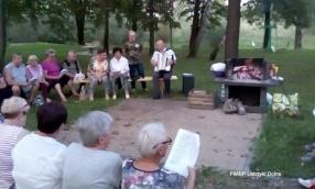 Ustrzyckie śpiewanie przy ognisku